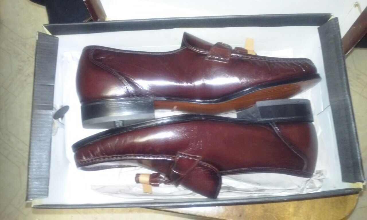 MEN'S GENUINE LEATHER  DRESS SHOES. SIZE 12 (FLORSHEIM) -PRICE JUST REDUCED
