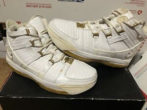7c06c2c504747 7685b dc687  ebay image is loading nike zoom lebron iii 3 white gold dust  9cc6d a3efe