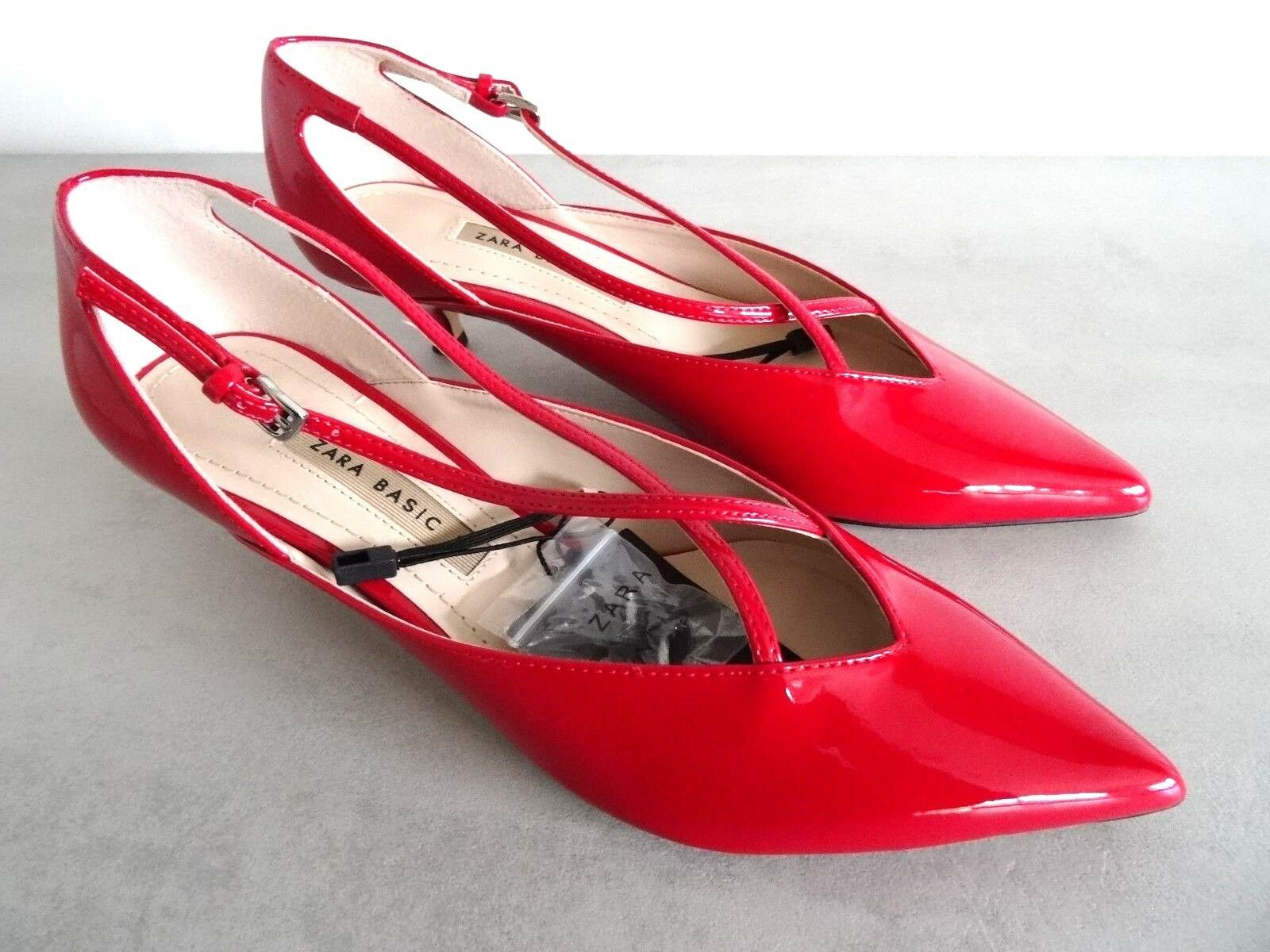 ZARA rouge FAUX PATENT LEATHER KITTEN HEEL POINTED chaussures Taille UK 4 EU 37 USA 6,5