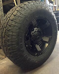 5 17 xd rockstar 2 black wheels jeep wrangler jk 33 toyo at2 tires package ebay. Black Bedroom Furniture Sets. Home Design Ideas