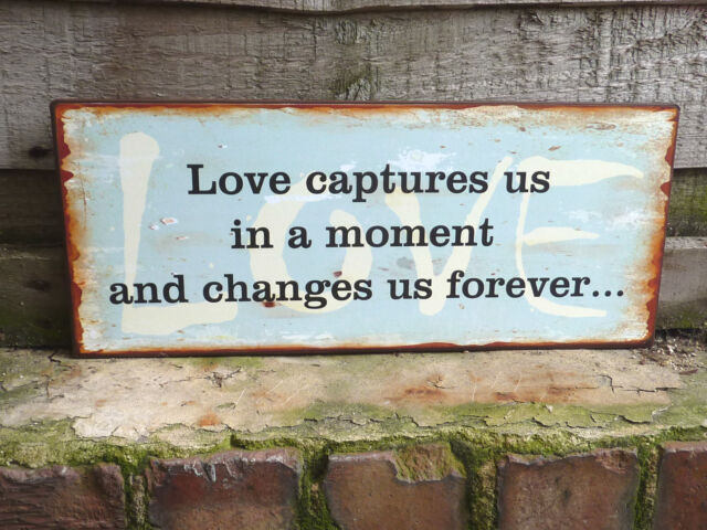 SHABBY VINTAGE SIGN PLAQUE LOVE CAPTURES US IN.......CHIC HANGING GIFT
