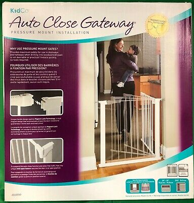 Kidco G1100 Gateway Pressure Mount Auto Close Safety Gate In White New!!