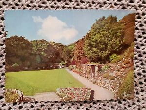 Holywell-Retreat-Eastbourne-Vintage-Postcard