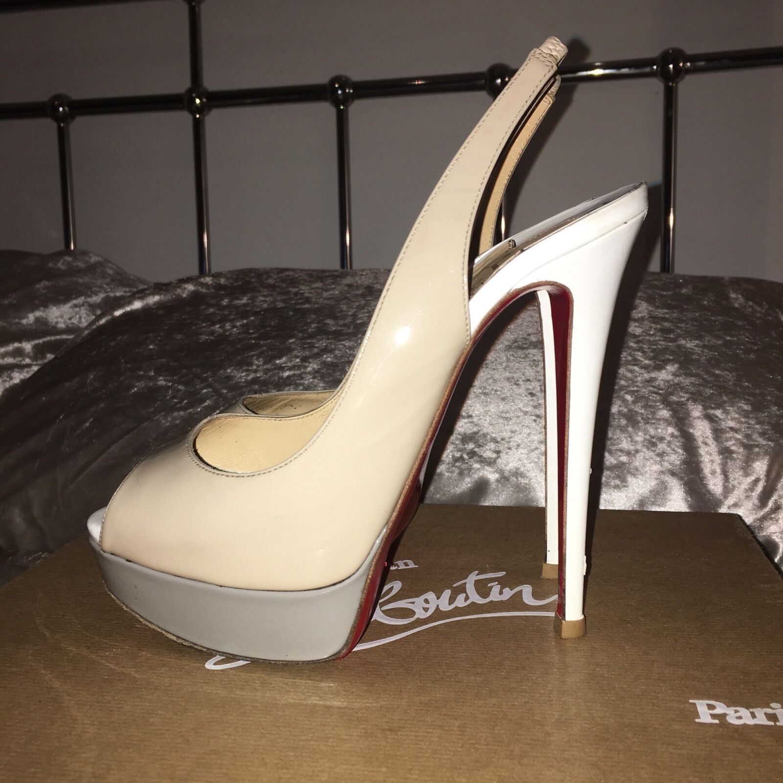 Christian Louboutin Lady Peep Sling Back Patent Nude grigio bianca  High Heel 5 38  prezzo all'ingrosso
