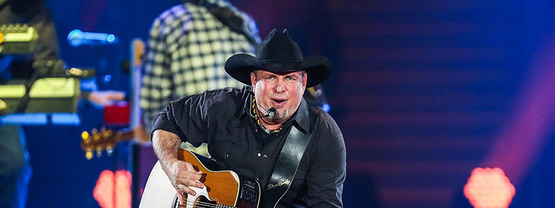 PARKING PASSES ONLY Garth Brooks