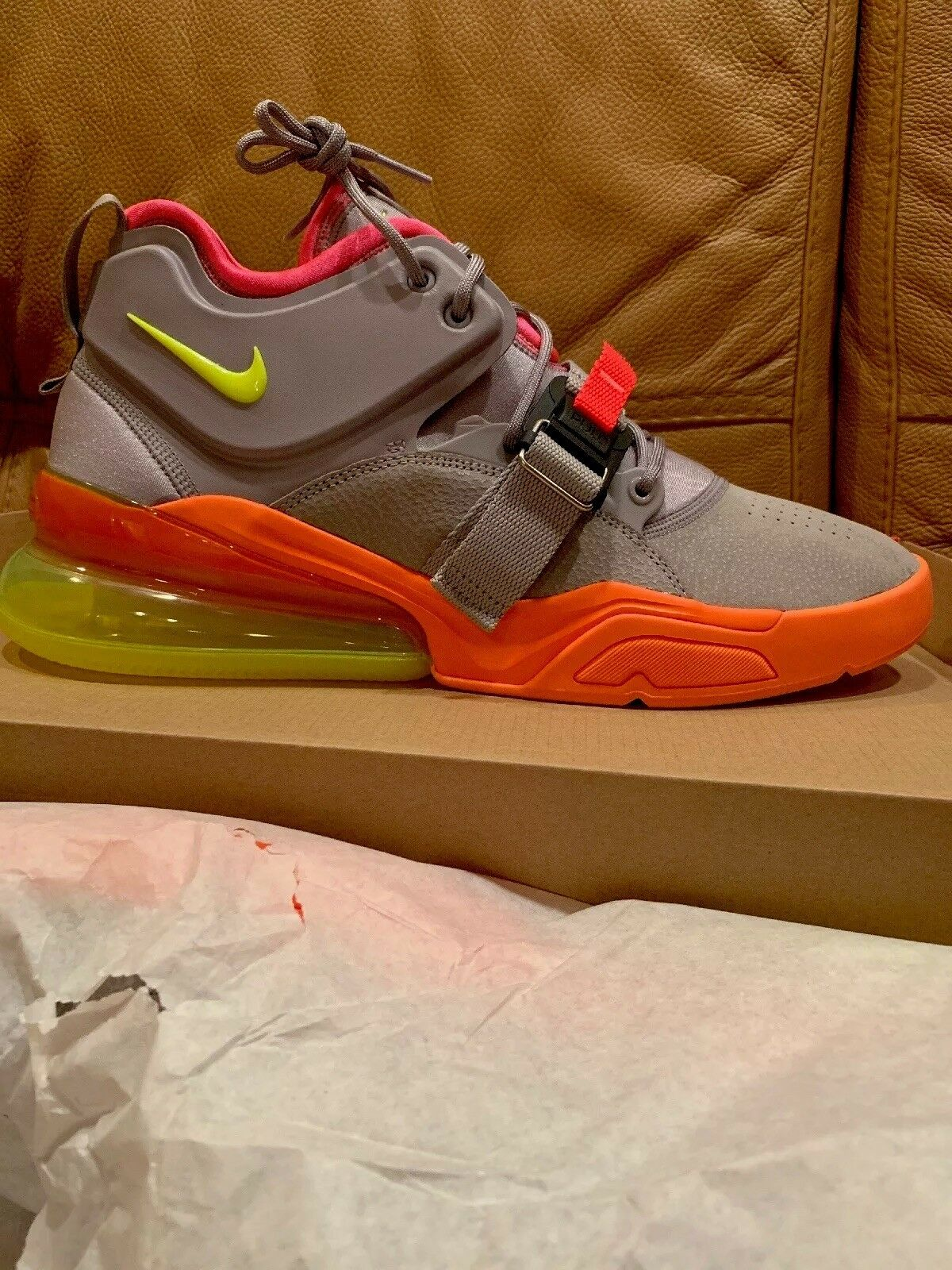 NIKE AIR FORCE 270 size13