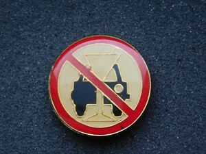 VINTAGE METAL PIN DON'T DRINK & DRIVE