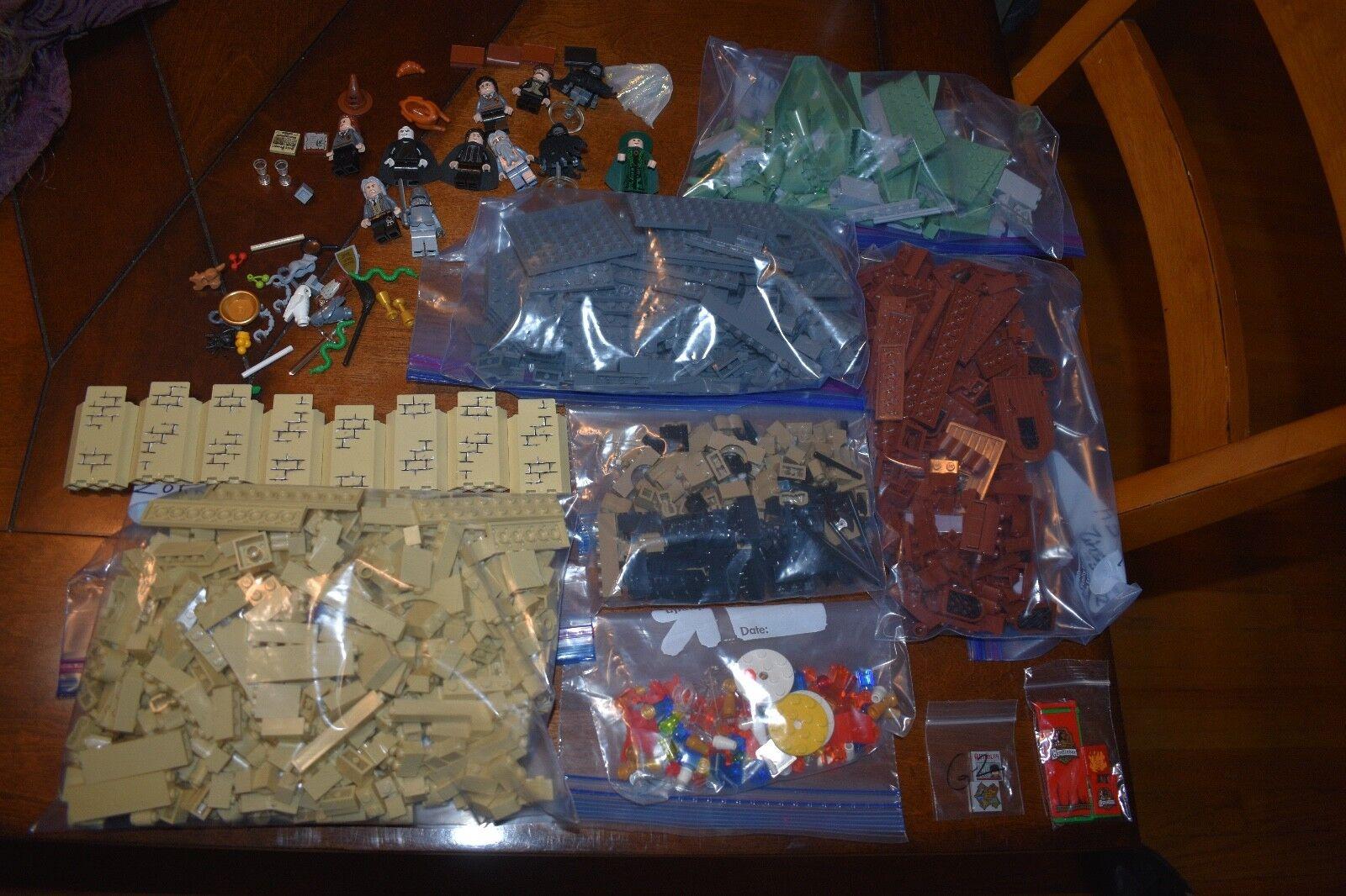 LEGO Harry Potter Hogwart's Castle 2010  4842  autentico COMPLETE No Manuals