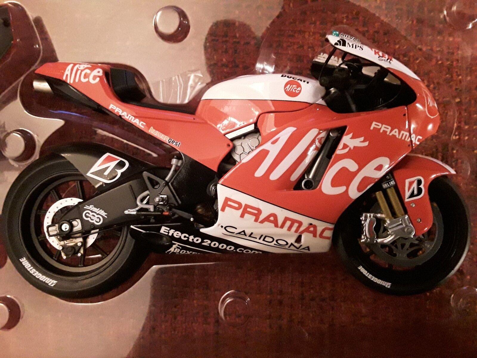 Ducati desmosdici gp8  a. Elias  motogp 2008  1 12 Minichamps 122080024