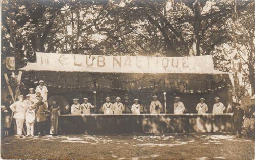 Carte photo ancienne le club nautique année 1920 couple japonais à gauche