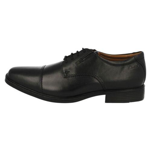 Cordones Ajuste Clarks Piel G marrón De marrón Con Zapatos Oscuro Hombre Negro wngzqBvOp
