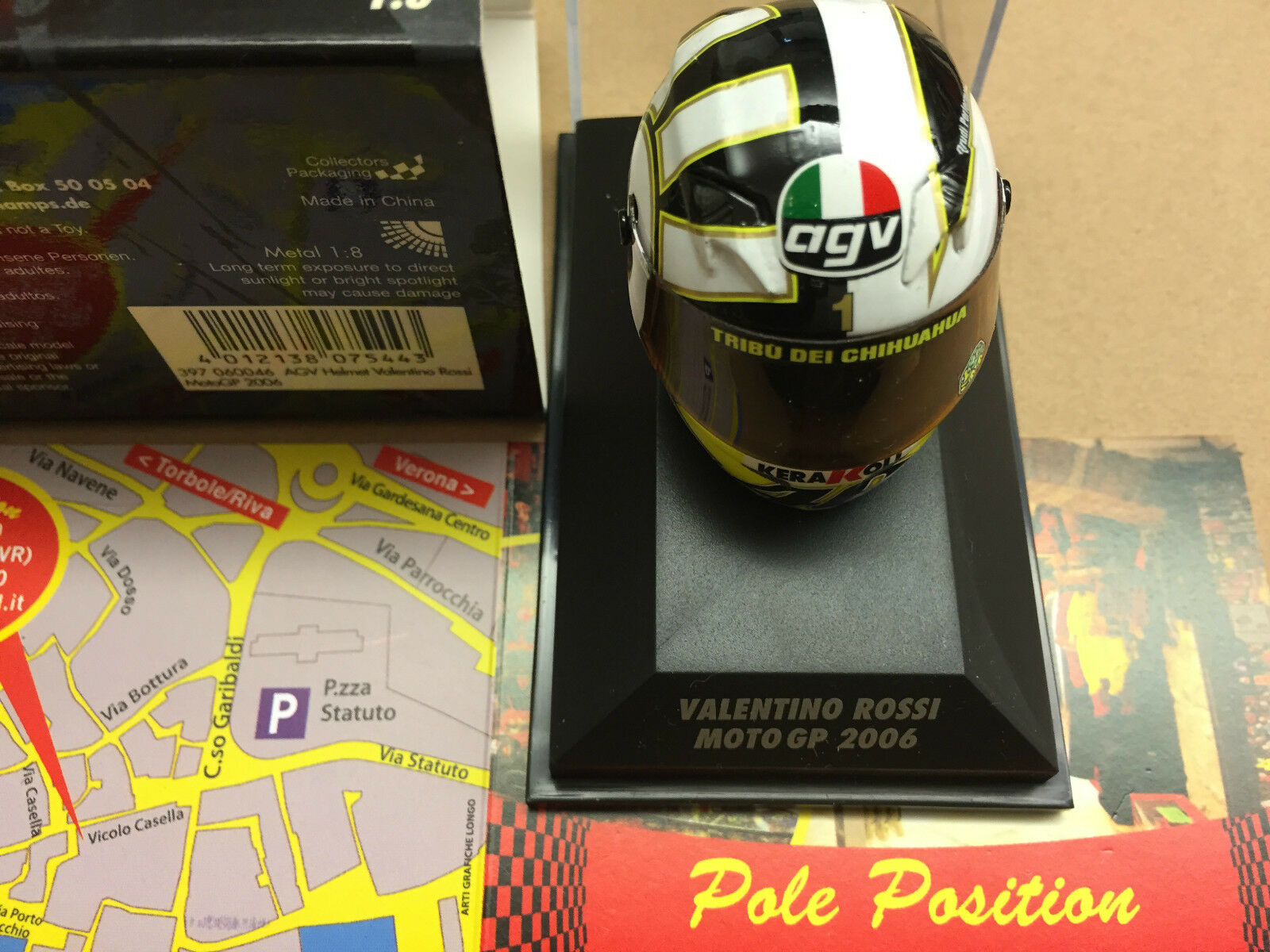 VALENTINO ROSSI CASCO HELMET MOTOGP 2006  397060046 MINICHAMPS 1 8 NEW VERY RARE