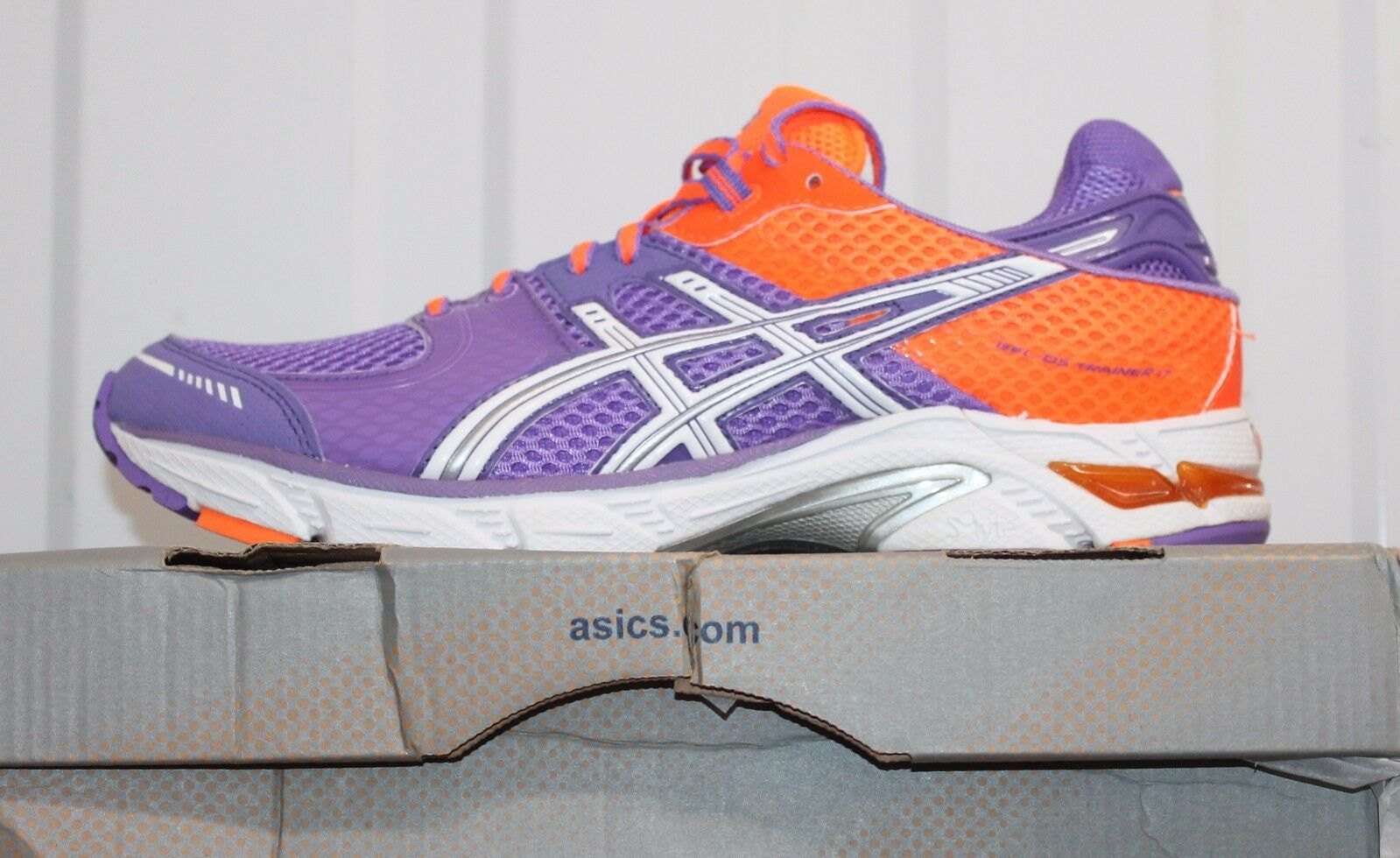 ASICS GEL-DS TRAINER 17 Damenschuhe T262N 3601 RUNNING TRAINERS BNIB