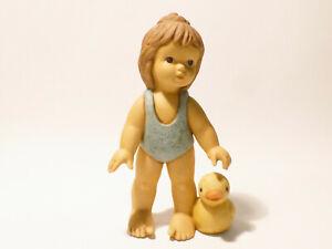 Goebel-Figur-Nina-amp-Marco-Limpke-Nina-mit-Badeente-12-cm