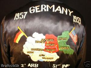 VINTAGE-1950-039-S-4TH-ARMY-DIVISION-SATIN-SOUVENIR-JACKET