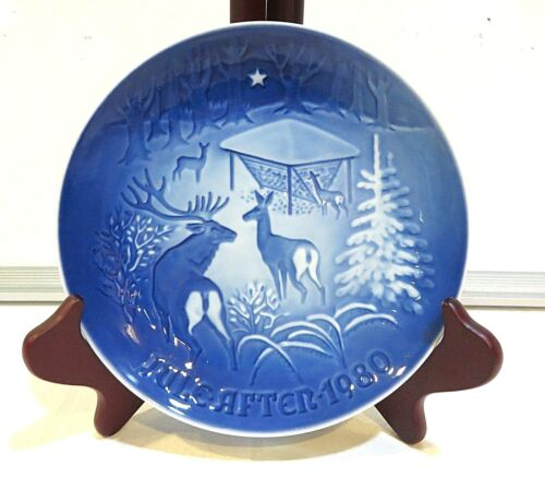 """CHRISTMAS IN THE WOODS"" COLLECTOR PLATE"