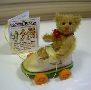 3-5-034-Artist-Teddy-in-shoe-ROOSEVELT-BEAR-CO-Miniature-mohair-OOAK-Cathy-Peterson
