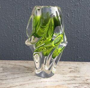 Vase-verre-Chribska-green-spiral-rib-glass-vase-Josef-Hospodka-Czech-70s