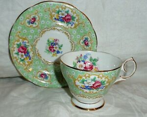 BELL-CHINA-CUP-amp-SAUCER-GAINSBOROUGH-ENGLAND-FINE-BONE-FLORAL