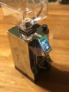 Eureka-MIGNON-SPECIALITA-Espressomuhle-chrom-Timer-fur-1-amp-2-Tassen-DEMO