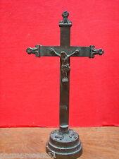 Joli ancien christ ou crucifix en bronze