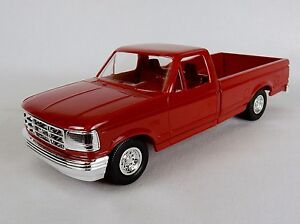 ERTL-AMT-1994-Ford-F150-Pickup-XLT-1-25-Scale-Crimson-Red-Free-Shipping-6292