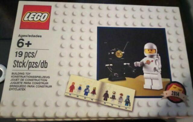 CLASSIC WHITE PIRATE MINIFIGURE EXCLUSIVE SEALED!! LEGO CLASSIC SET 5003082