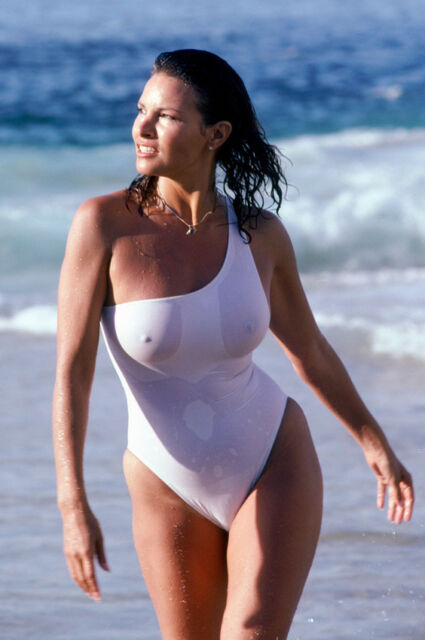 RAQUEL WELCH IN WET WHITE FIGURE SWIMSUIT 24X36 POSTER