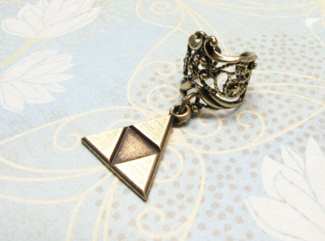 Bronze Triangle Ear Cuff, inspired by the Triforce from Legend of Zelda