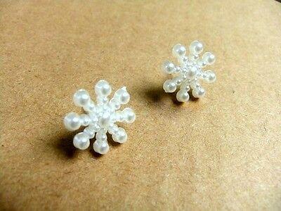 Pretty snowflake stud earrings Christmas gift gear