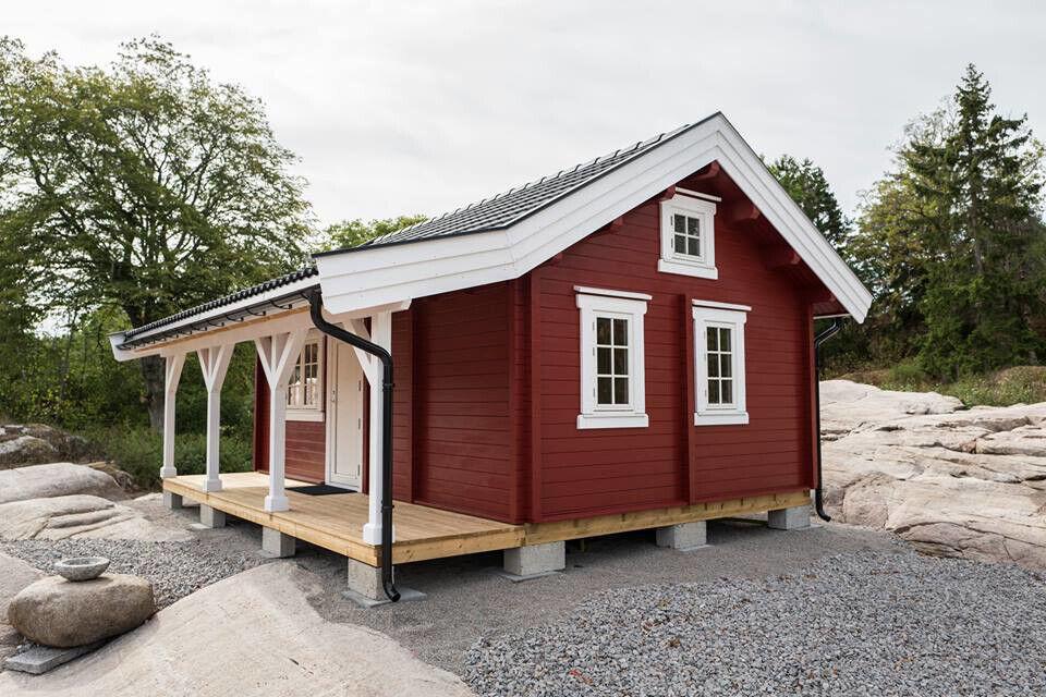 Bjælkehytte m. terrasse, 29 m2 + 12 m2 hems - M...
