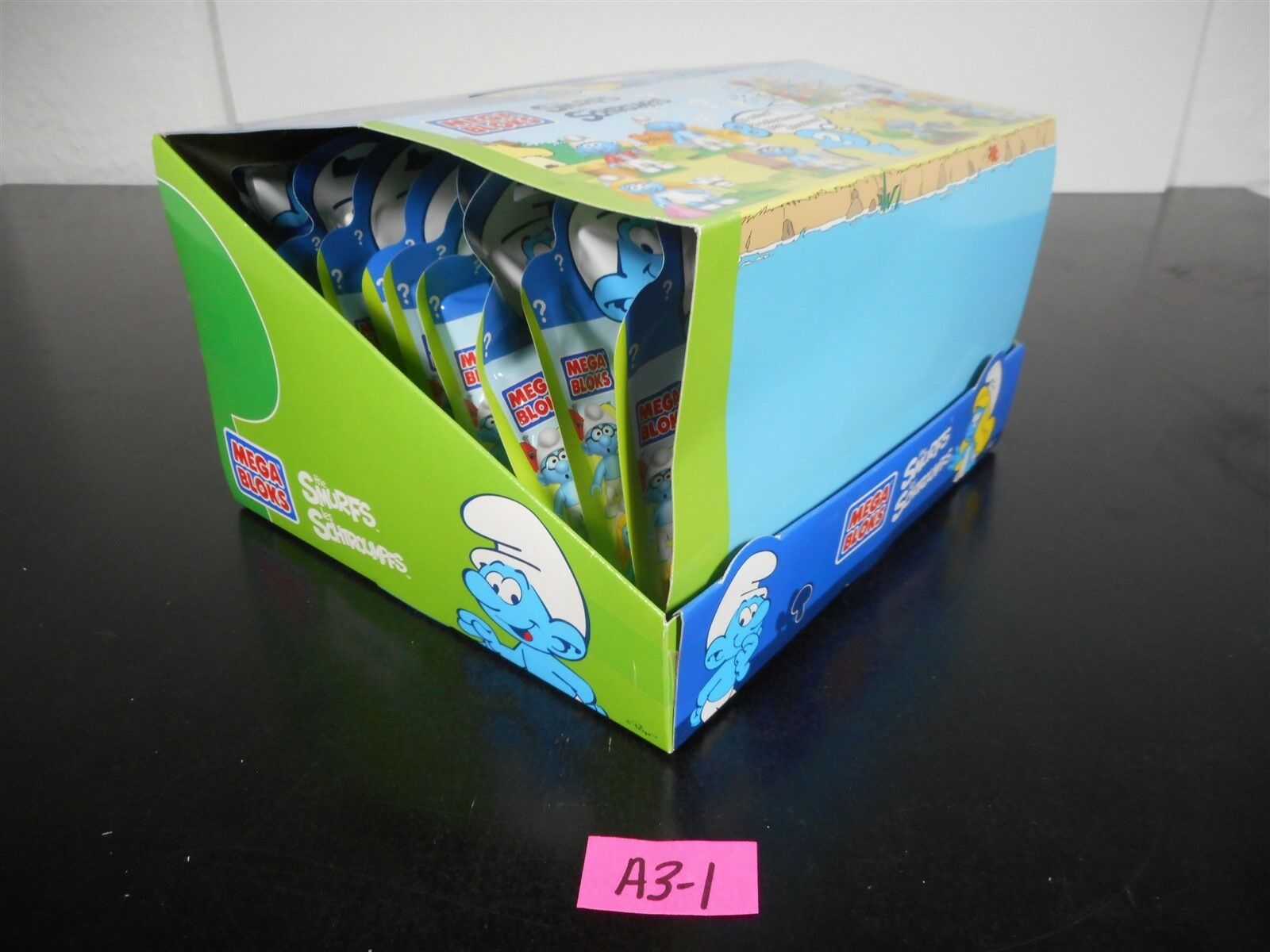 NEW    CASE OF 22 THE SMURFS MEGA BLOKS 10757 MYSTERY FIGURES & DISPLAY BOX A3-1