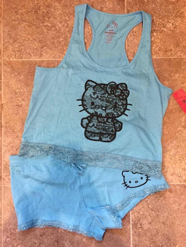 Hello Kitty  Top & Shorts Pajama Set  Ladies Women's XL   NEW