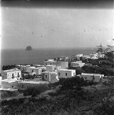 STROMBOLI c. 1950 - Vue de la Ville Italie - Négatif 6 x 6 - ITAL 97