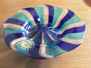 Lavorazione-di-Murano-Dish-with-Aventurine-Spirals-and-Label