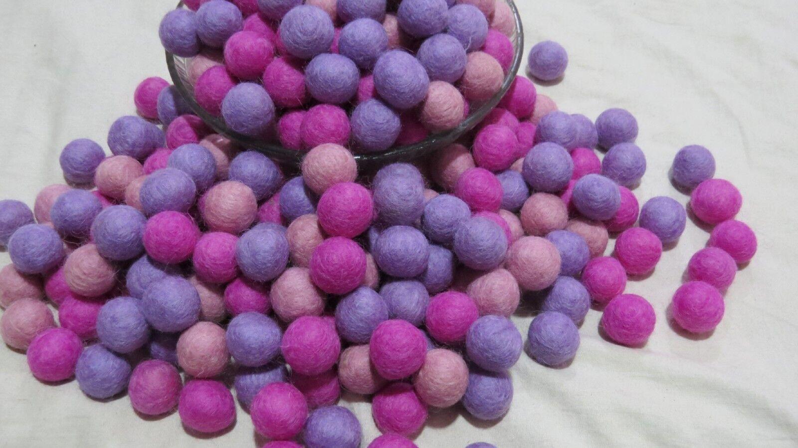 FB48 Nursery X Lot 2 cm DECOR Laine Feutre Feutre Feutre Balle 20 mm rose violet pompon perles | Une Bonne Conservation De La Chaleur  | Conception Habile  | Bien Connu Pour Sa Fine Qualité  0fded7