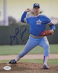 GAYLORD-PERRY-SIGNED-JSA-CERT-STICKER-8X10-PHOTO-AUTOGRAPH-AUTHENTIC