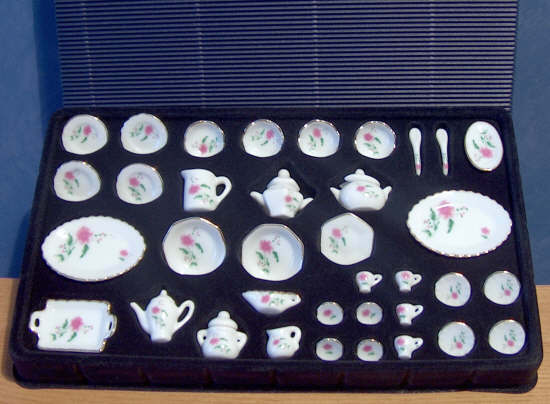 1/12, Miniature Dolls House 36 Piece full Table Service Tea Set in Gift pack LGW