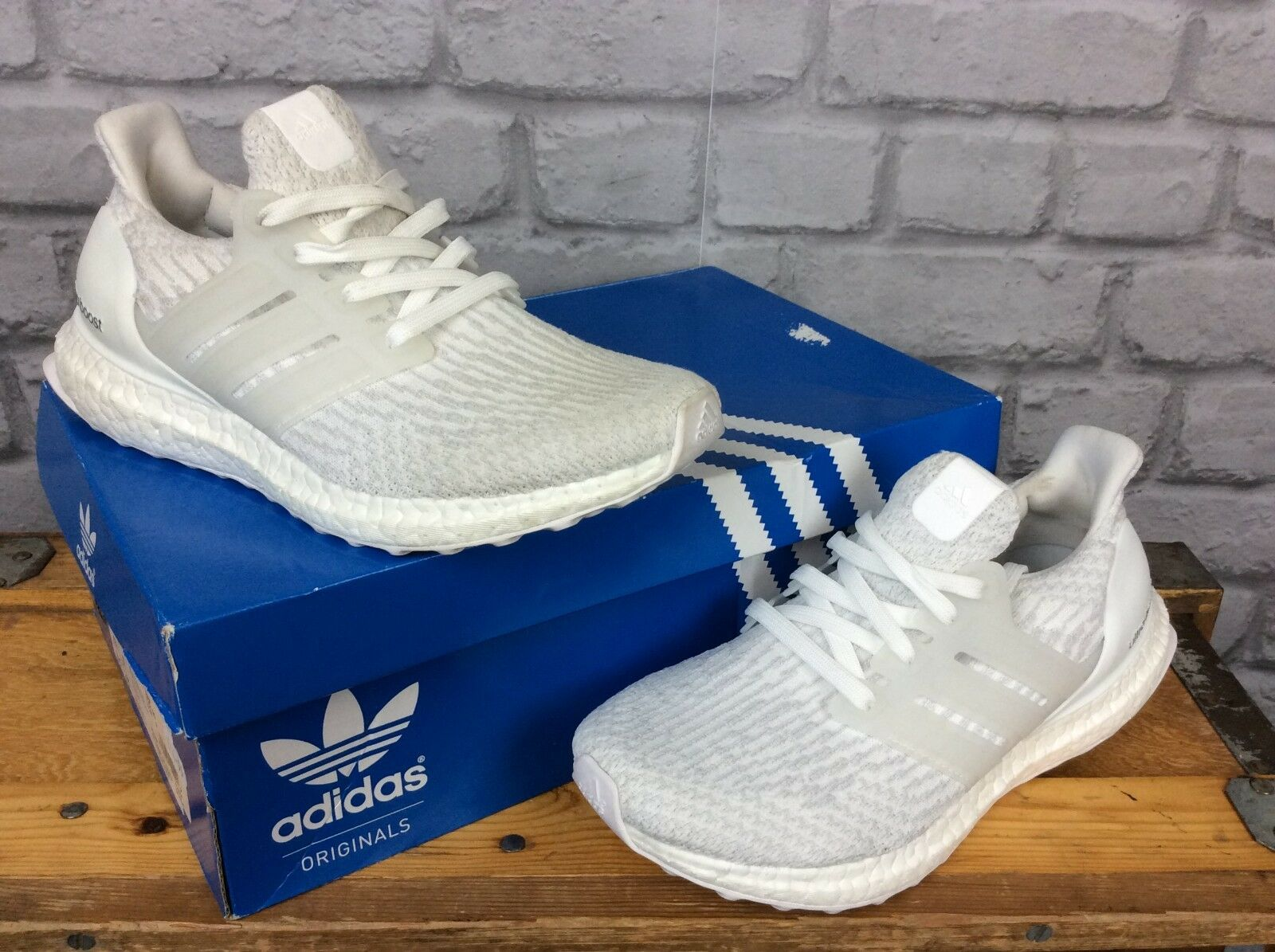 ADIDAS ULTRA BOOST 3.0 PRIMEKNIT WHITE MONO TRAINERS RRP  MENS LADIES