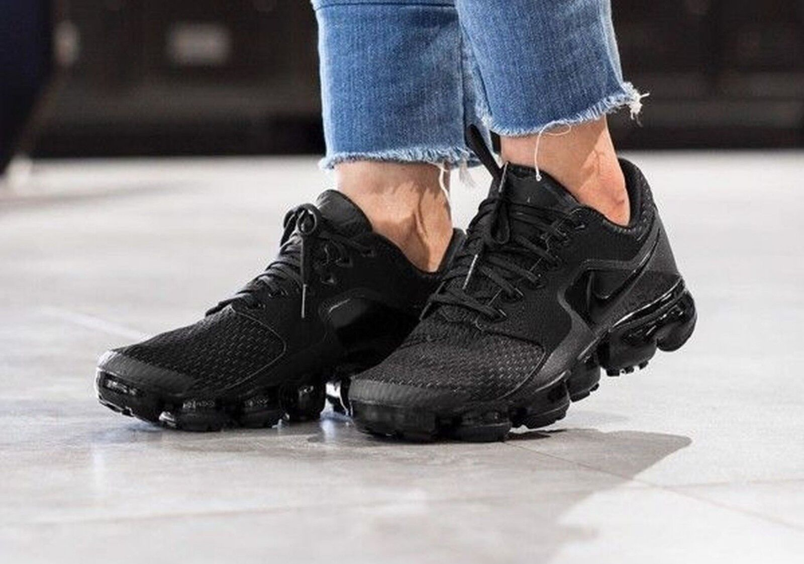 Nike Air VaporMax AH9045-002 Black Anthracite Running Shoes Wmn Size 5.5