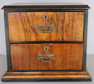 ANTIQUE-DOLL-DRESSER