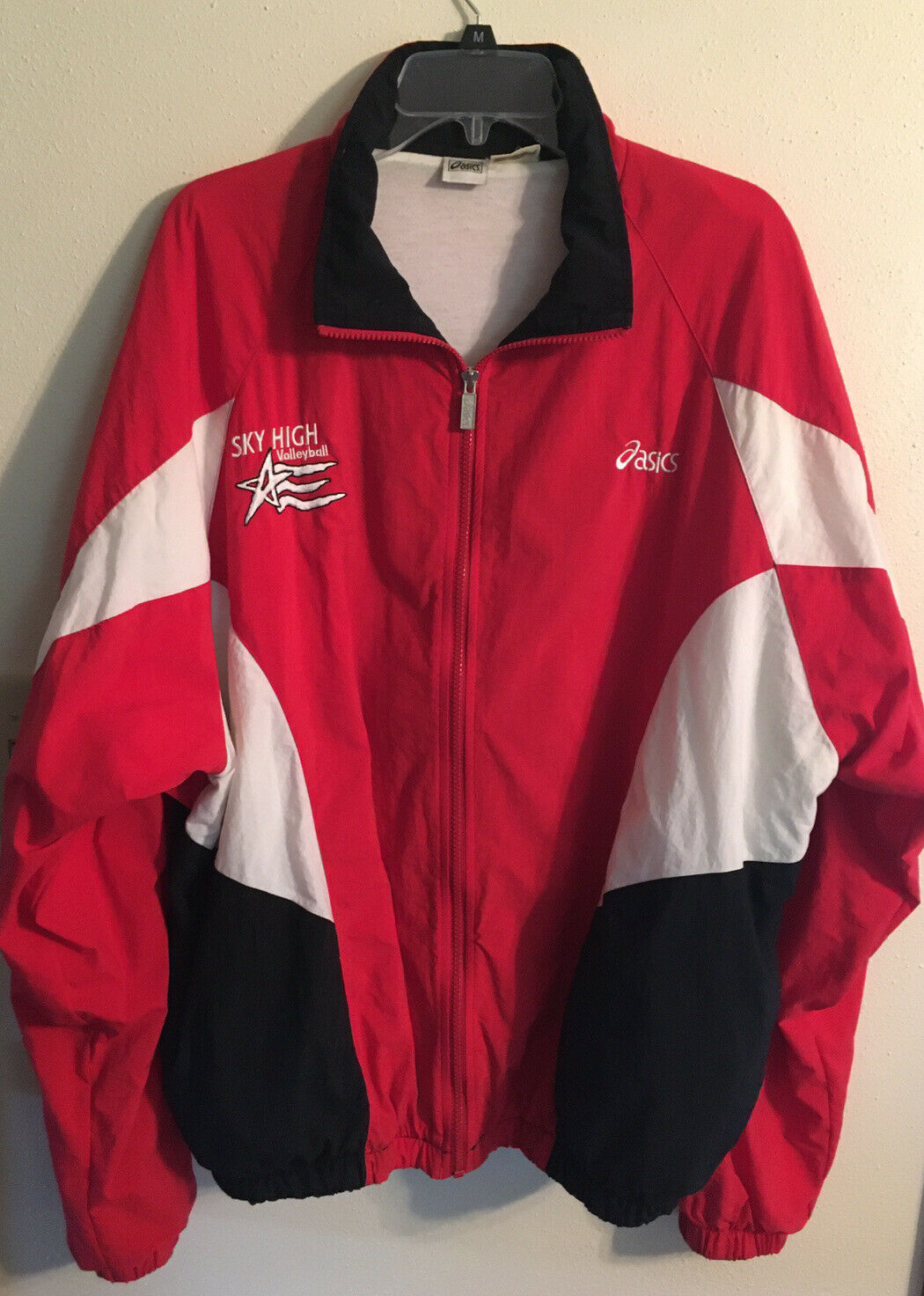 ASICS Woman's Sky High Club Volleyball Jacket Red Black Light Weight Size XL!!!