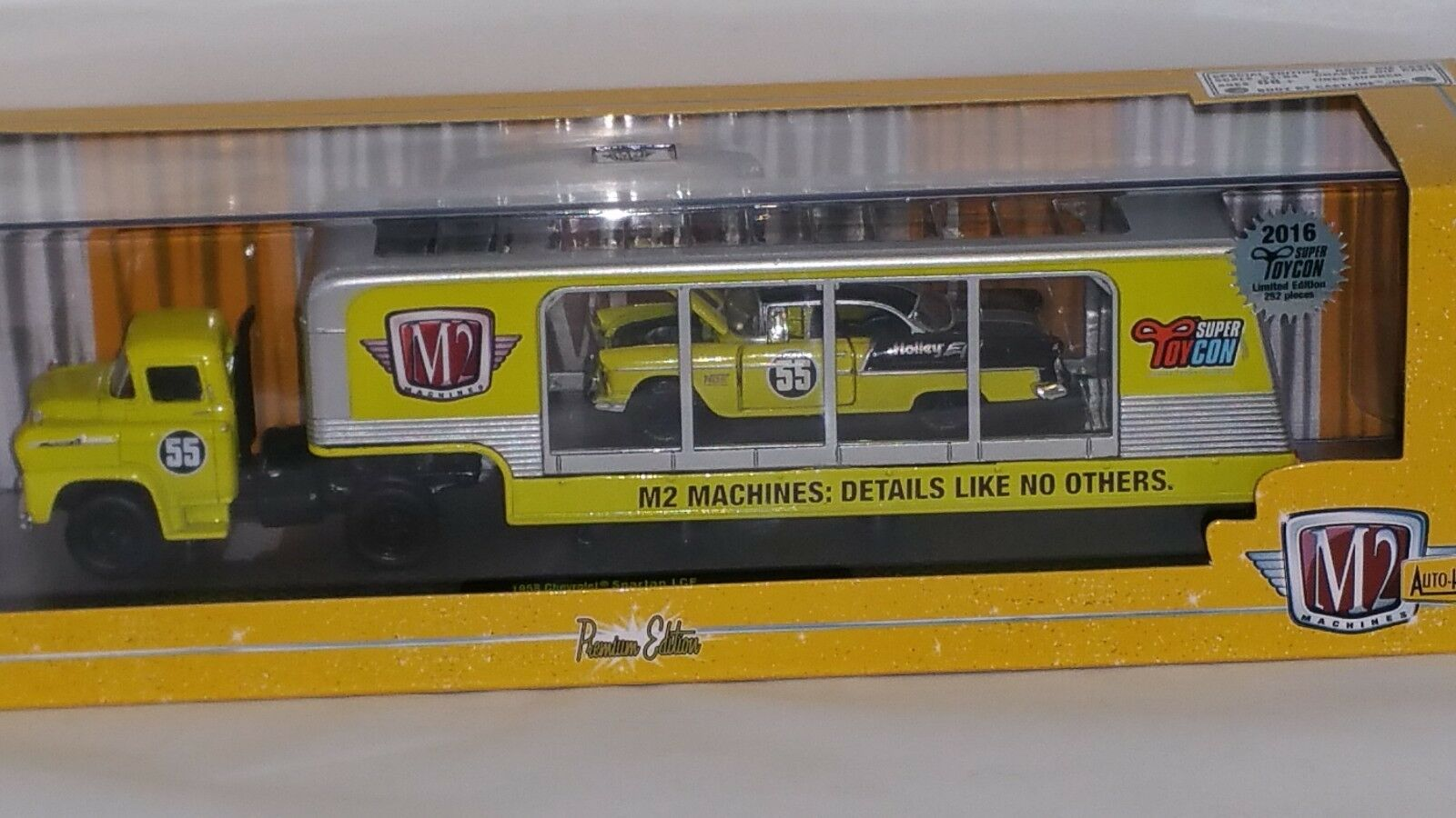 2016 m² Convention Exclusive Chase Hauler 1958 CHEVY Spartan & 1955 Chevy Belair