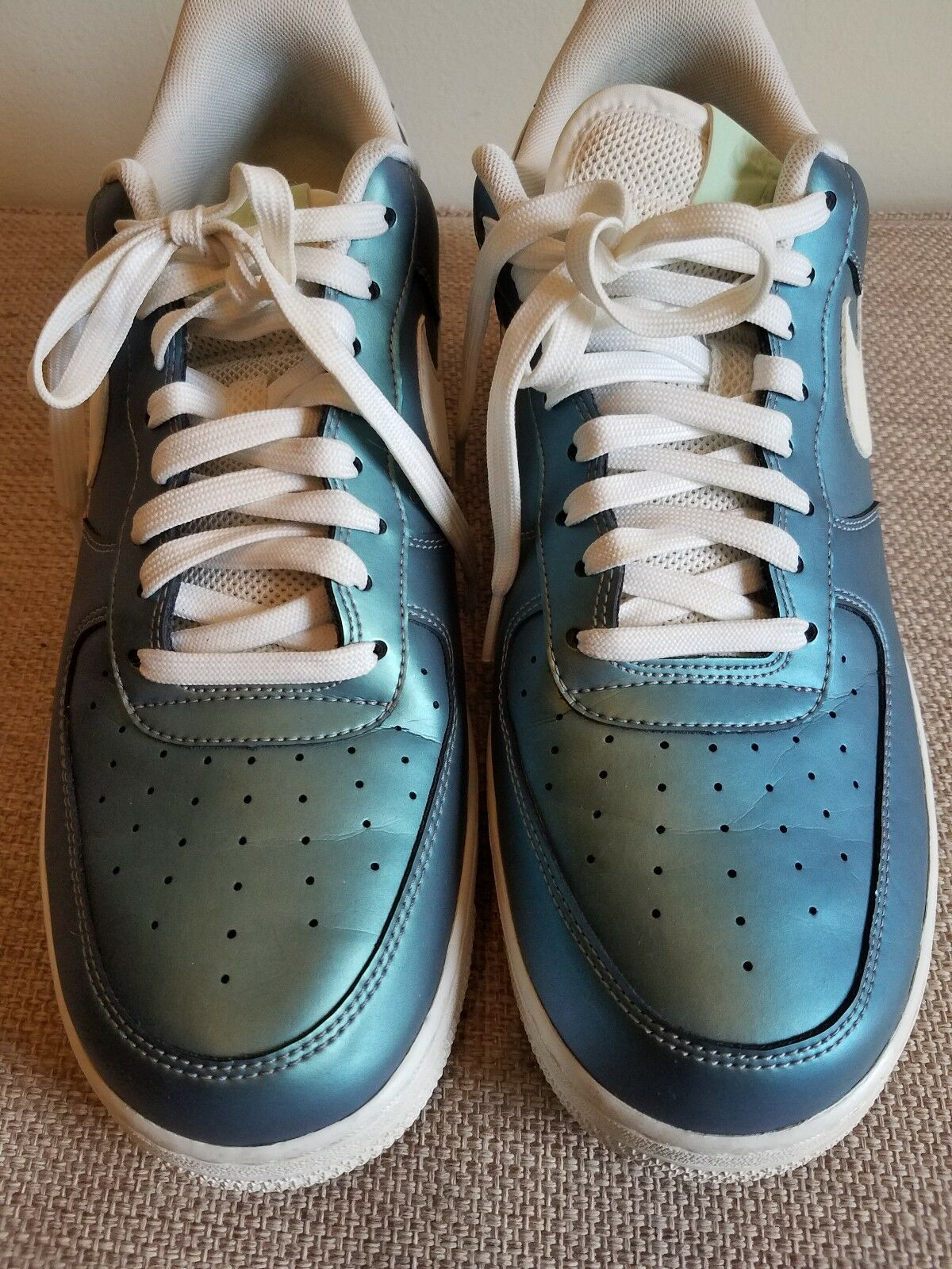 Men's Nike Turquoise Metallic Leather Lace-Up Casual shoes,  Size 12 Medium