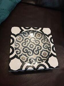 New-PAI-Designer-Set-4-Dessert-Plates-W-14-KT-Gold-Black-White-Gold-6-034-Boxed