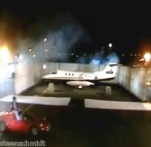 David-Copperfield-Disappearing-Air-Plane-CLOSE-UP-Jet-Magic-Vanishing-WATCH-DEMO