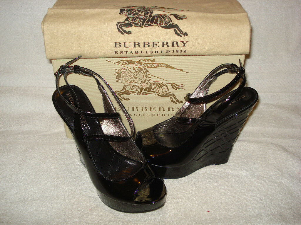 100% AUTHENTIC  NEW WOMEN BURBERRY EMBOSS CHECK WEDGE ESPADRILLE US 8.5