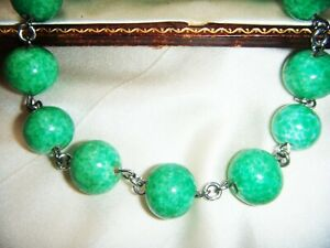 ART-DECO-VINTAGE-CZECH-Speckled-Green-PEKING-GLASS-LARGER-BEADS-Wired-BRACELET