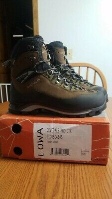 Various Sizes Lowa Cevedale GORE-TEX Mountaineering Boots