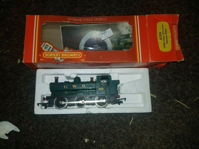 OO gauge HORNBY R059 GWR PANNIER TANK CLASS 8751 Locomotive boxed working